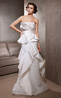Trumpet/Mermaid Strapless Sweep/Brush Train Satin Wedding Dress