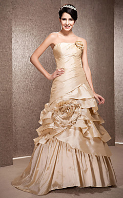 A-line Strapless Sweep/Brush Train Taffeta Wedding Dress