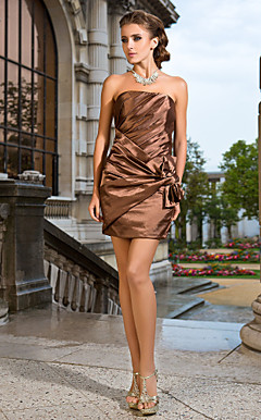 Sheath/Column Strapless Short/Mini Stretch Satin Cocktail Dress