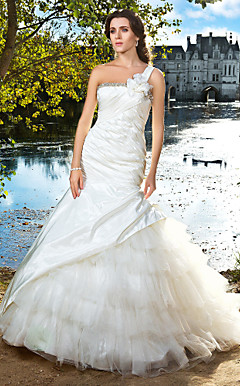 Trumpet/Mermaid One Shoulder Chapel Train Taffeta And Tulle Wedding Dress