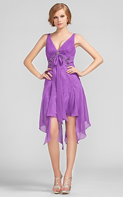 Sheath/Column V-neck Asymmetrical Short/Mini Chiffon Cocktail Dress