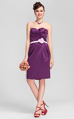 A-line Sweetheart Knee-length Satin Cute Bridesmaid Dress with Removale Straps