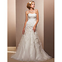 Trumpet/Mermaid Strapless Sweep/Brush Train Tulle Wedding Dress